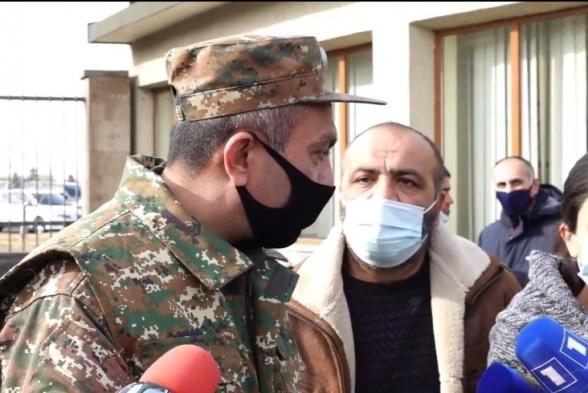Акция членов семей военнослужащих перед зданием Минобороны (видео)
