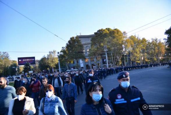 Ոստիկանությունը Երևանում բերման է ենթարկել փողոց փակելու ակցիայի 33 մասնակցի