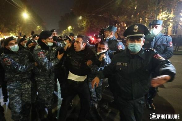 Ոստիկանները ծեծել են ՀՅԴ անդամ Գերասիմ Վարդանյանին.  թույլ չտվեցի, որ Նիկոլի ռեժիմին ծառայող այդ թափթփուկները հագուրդ տան իրենց մոլուցքին