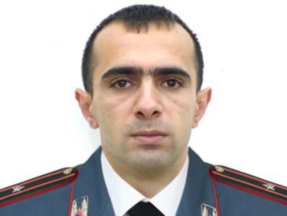 Майор полиции Эдгар Галоян покинул систему и присоединился к требованию отставки Пашиняна
