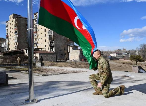 Ալիևը Շուշիում բարձրացրել է Ադրբեջանի դրոշը, այցելել Ջդրդուզ և մասնակցել արձանների բացման արարողությանը
