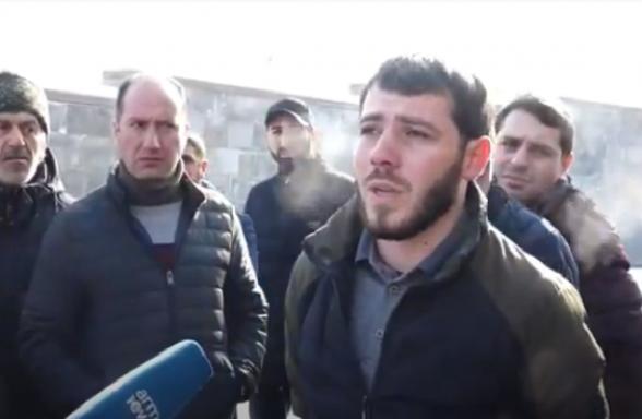 Участники войны не получили зарплаты: акция перед зданием Минобороны (видео)