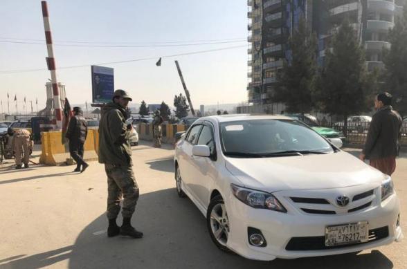 В Кабуле подорвали машину посольства Италии