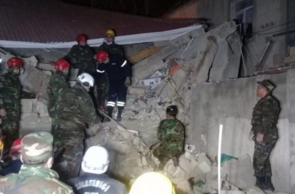 При взрыве в пригороде Баку пострадали 8 человек (видео)