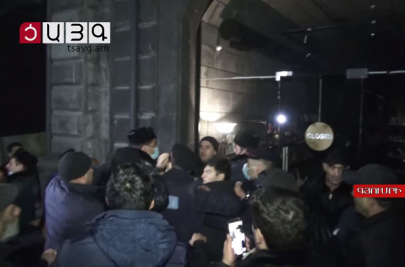 Митинг сторонников Никола Пашиняна в Гюмри перерос в драку