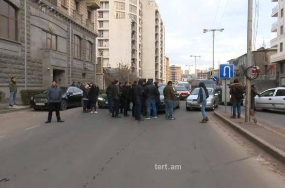 Անհնազանդության ակցիաներ՝ Փաշինյանի հրաժարականի պահանջով․ Երևանում փողոցներ են փակվել, կաթվածահար է եղել մետրոն, կան բերման ենթարկվածներ (տեսանյութ)