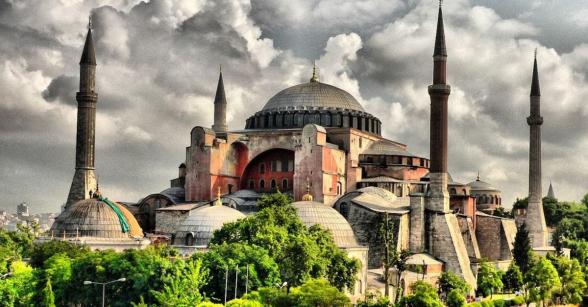 Հունաստանը Թուրքիայից պահանջում է մզկիթի վերածված Սբ. Սոֆիայի տաճարին վերադարձնել իր նախկին կարգավիճակը