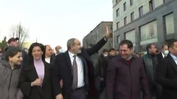 «За тобой придут»: Пашинян пригрозил гражданину