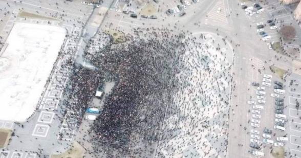 В ходе выступления Пашиняна на площади Республики было около 3000 человек, включая полицейских и других силовиков