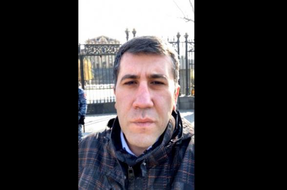 2 октября 2018 года Пашинян заявлял, что ворота НС должны быть открыты, но сегодня мы видим, как НС защищают вооруженные полицейские (видео)