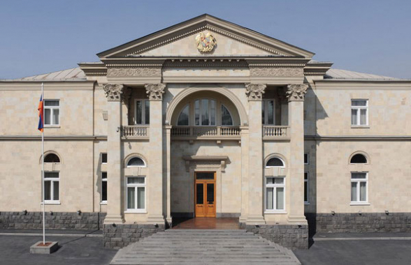 Президент Армен Саркисян встретится с главой Генштаба Оником Гаспаряном