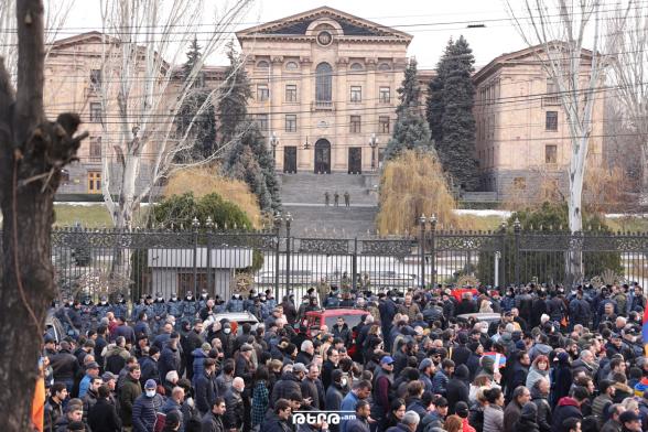 Сегодня в 15:00 перед зданием НС состоится очередной митинг Движения по спасению Родины