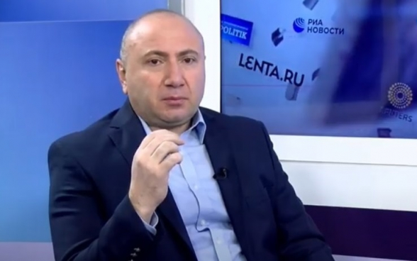 В Ереване митинги будут проходить в поддержку двух армий – армянской и турецкой: созванный Пашиняном митинг организуется в поддержку турецкой армии – Андраник Теванян (видео)