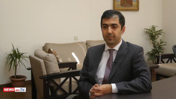 У президента нет полномочий освобождать начальника Генштаба от занимаемой должности – Арам Орбелян (видео)