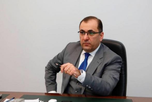 Դատարանը հեռացավ խորհրդակցական սենյակ Արա Սաղաթելյանի կալանովորման հարցով որոշում կայացնելու