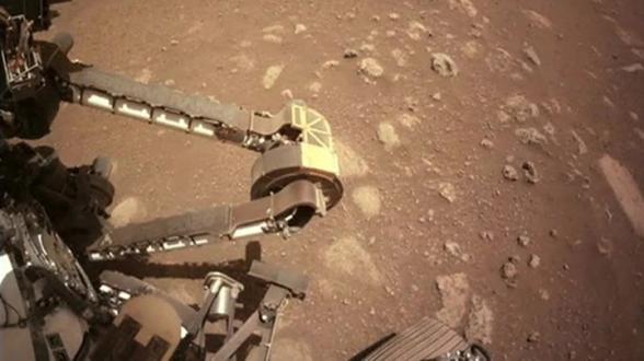«Perseverance» впервые прокатился по Марсу (видео)