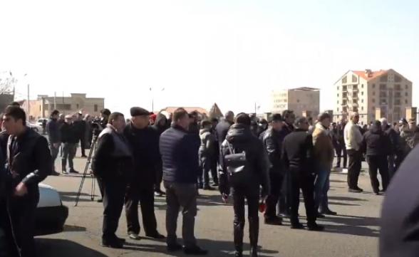 Ակցիա ՊՆ-ի մոտ՝ ի աջակցություն ԳՇ պետի և Հայոց Բանակի (տեսանյութ)
