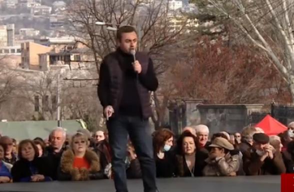 Оппозиция выдвинула требования президенту и начальнику Генштаба (видео)