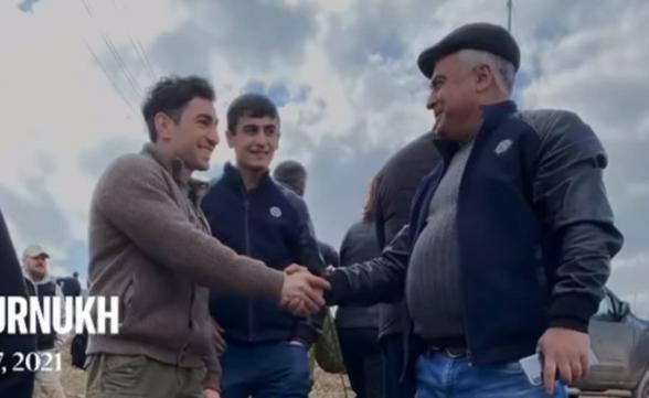 Левон Кочарян принял участие в церемонии водружения в Шурнухе самого большого флага (видео)