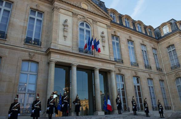 Տղամարդն այրվող շշով փորձել է Ֆրանսիայի նախագահի նստավայր՝ Ելիսեյան պալատ ներխուժել