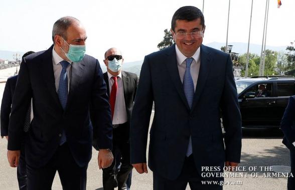 Թրքահպատակ նիկոլ փաշինն ու նրա կլոնը՝ ադրբեջանական դրոշի տակ