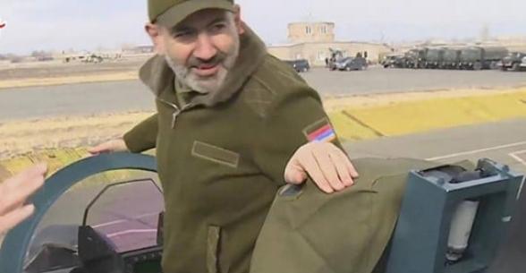 Միայն խելապակասը չի համաձայնի, որ Հայաստանին նոր զենքեր, վերակառուցված ու մեջքը ուղղած բանակ է պետք, նոր մարտահրավերներին դիմակայելու համար