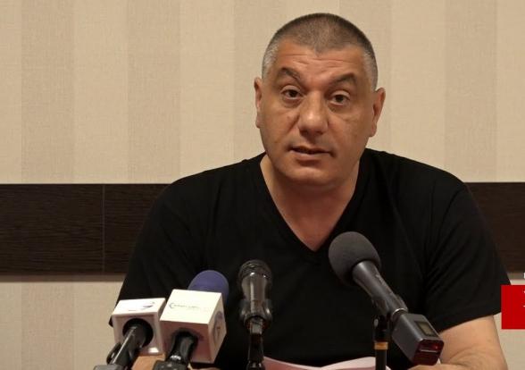 Տեսանյութ.  Մեզ հիմա փող ու զենք է պետք, թուրքը գալիս է…սաղիդ տեսնելու ունեմ՝ որպես հայ տղա, ասել եմ, որ պատրաստվում եմ քաղաքականություն մտնել