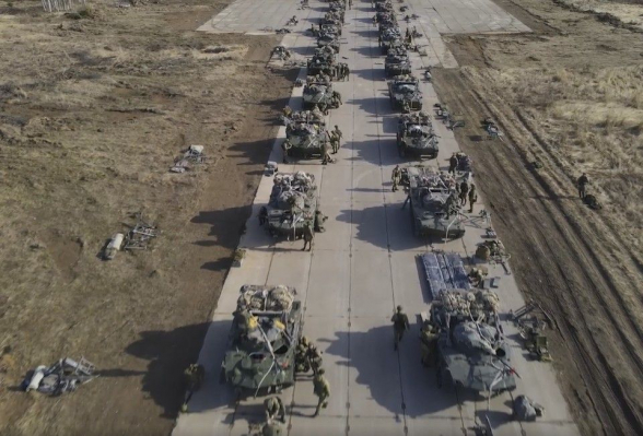В Крыму стартовали крупномасштабные военные учения