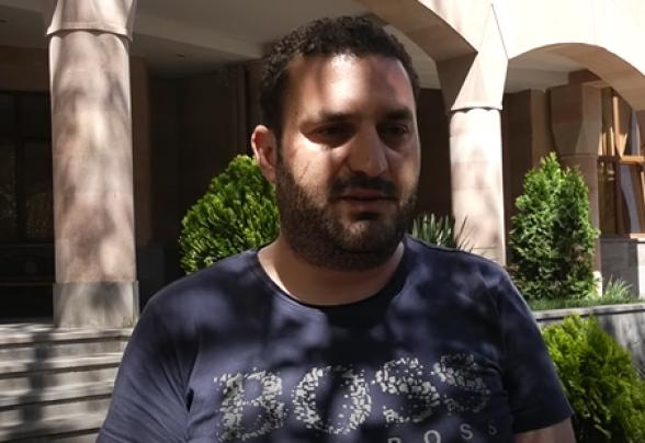 Գորիսի փոխքաղաքապետը դուրս եկավ ՔԿ-ից. նա դեմքին վնասվածք ունի (տեսանյութ)