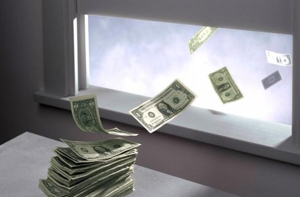 Անվստահությո՞ւն, թե՞ փախուստ. փողը լքում է բանկային համակարգը
