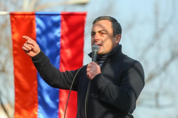 Հայաստանում վաղուց իշխանություն չկա, կա իշխանության աթոռները ուժի զոռով պահող, թուրք-ադրբեջանական շահերի սպասարկու խմբակ