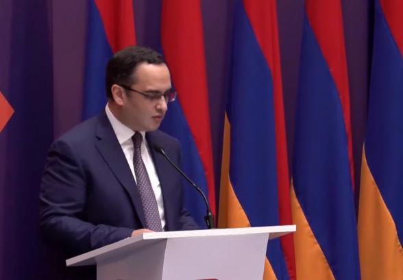 Виктор Согомонян представил декларацию альянса «Армения» (видео)