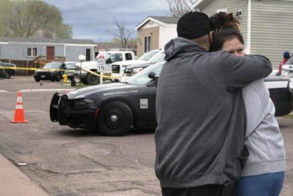 Мужчина застрелил 6 человек на вечеринке в Колорадо