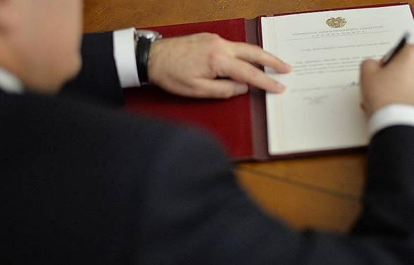 Արմեն Սարգսյանն ԱԺ-ի արտահերթ ընտրություն նշանակելու մասին հրամանագիր է ստորագրել