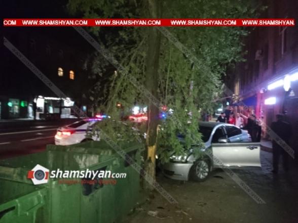 Երևանում 34-ամյա վարորդը Nissan-ով բախվել է եզրաքարերին, ապա՝ ծառերին և հայտնվել մայթին. կա վիրավոր