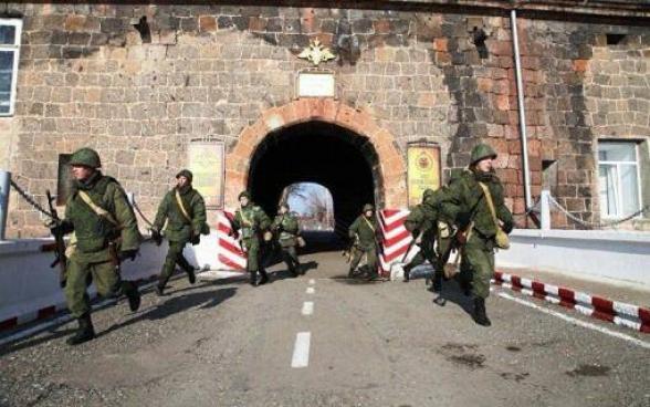 Ռուսական 102-րդ ռազմաբազան ուժեր է տեղափոխում Սյունիք