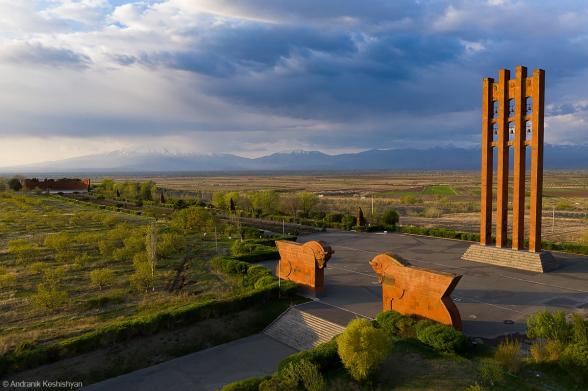 Երևանն առանց դիմադրության հանձնենք թուրքերին, Քանաքեռում ամրանա՞նք