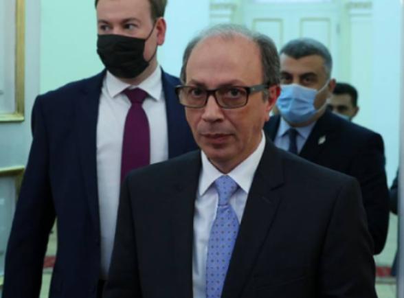 Почему Ара Айвазян подал в отставку?