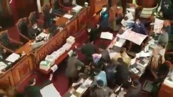 Բոլիվիայում պատգամավորները ծեծկռտուք են կազմակերպել խորհրդարանի նիստի ժամանակ