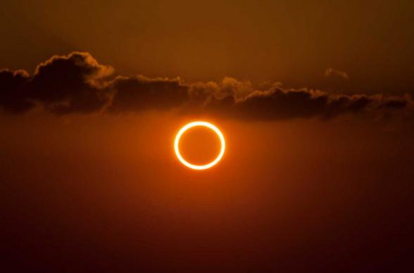 Ինչպես է ստվերն ընկնում Երկրի վրա. ռուսական արբանյակները ֆիքսել են Արևի օղակաձև խավարման կադրերը