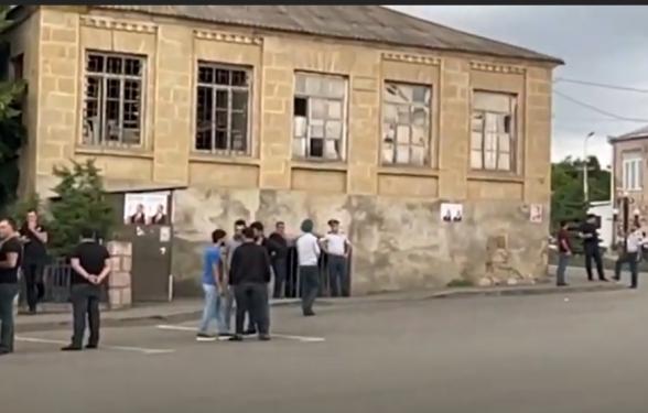 Հանրահավաքն էլ ինձնից, ժողովուրդն էլ․ Բերդավանում մարդաշատություն են ապահովում Փաշինյանի համար (տեսանյութ)