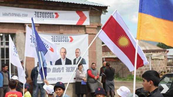 Հենց նախագահ Քոչարյանի ժամանակ էր, որ Երևանում ազգային փոքրամասնությունների մշակույթի կենտրոն հիմնվեց ու եզդիերենը սկսվեց դասավանդվել դպրոցներում