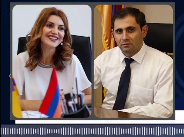 В сеть попала запись разговора между мэром Эчмиадзина и и.о. министра Папикяном