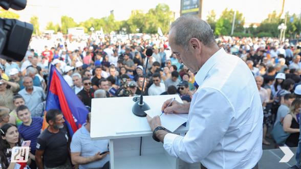 «Հայաստան» դաշինքի հանրահավաքն Արմավիր քաղաքի հրապարակում (տեսանյութ, լուսանկար)
