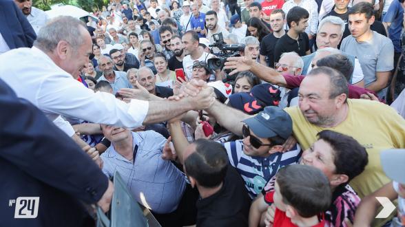 «Путь к сильной Армении»: кадры визита блока «Армения» в Котайкский марз и Эребуни