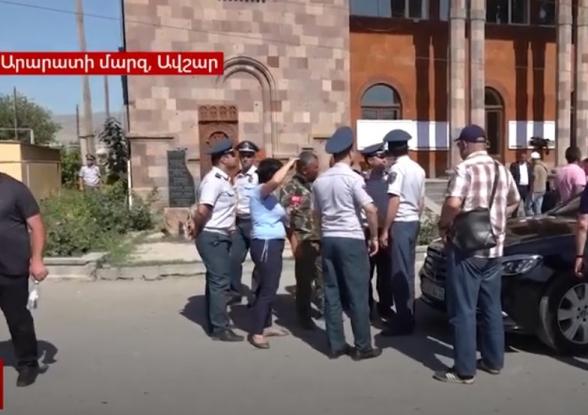 Пашиняна вывел из себя вопрос об Арцахе, полицейские попытались вывести журналиста с территории