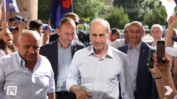 Предвыборная встреча блока «Армения» в Арарате (видео, фото)