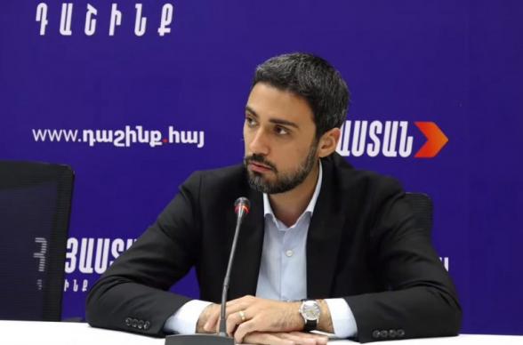 Եղեգնաձորի ոստիկանները այնպիսի ուժ են գործադրել, որ «Հայաստան» դաշինքի համակիրին պատճառված վնասի մասով շտապօգնությանը հրատապ կանչ է տրվել