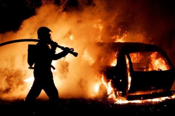 Երևանի Ալիխանյան փողոցում ավտոմեքենա է այրվել, վարորդը հոսպիտալացվել է