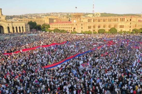 Итоговый митинг блока «Армения» на площади Республики (видео)